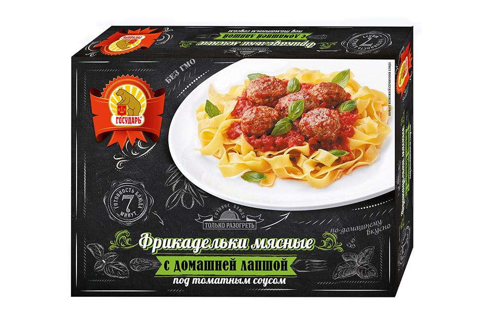 Фрикадельки мясные с домашней лапшой под томатным соусом